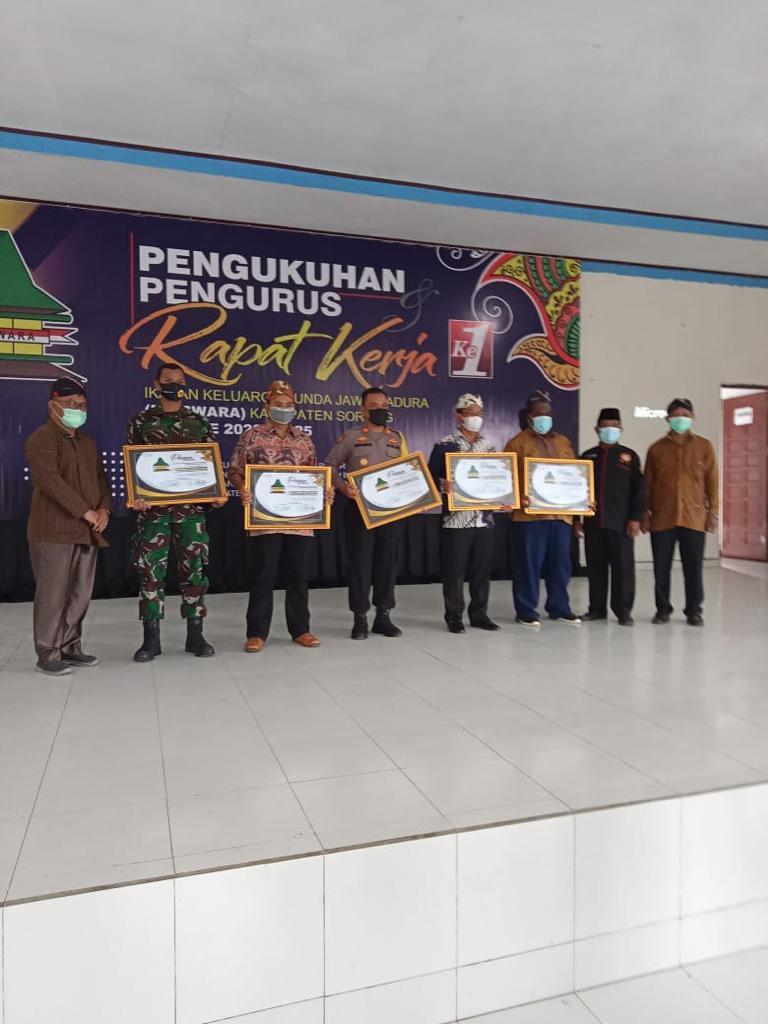 Kapolres Sorong Di Wakili Kasat Sabhara Hadiri Pengukuhan Pengurus Ikatan Keluarga Sunda Jawa Madura (IKASWARA) Masa Bhakti 2020-2025