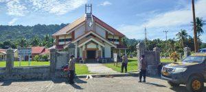 Polsek Sausapor Polres Sorong gelar patroli dan pengamanan ibadah HUT Pekabaran Injil