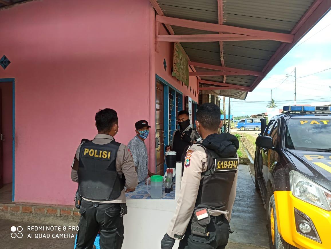 Piket patmor Lakukan patroli Dialogis dan himbau Warga Masyarakat Untuk Disiplin Menggunakan Masker