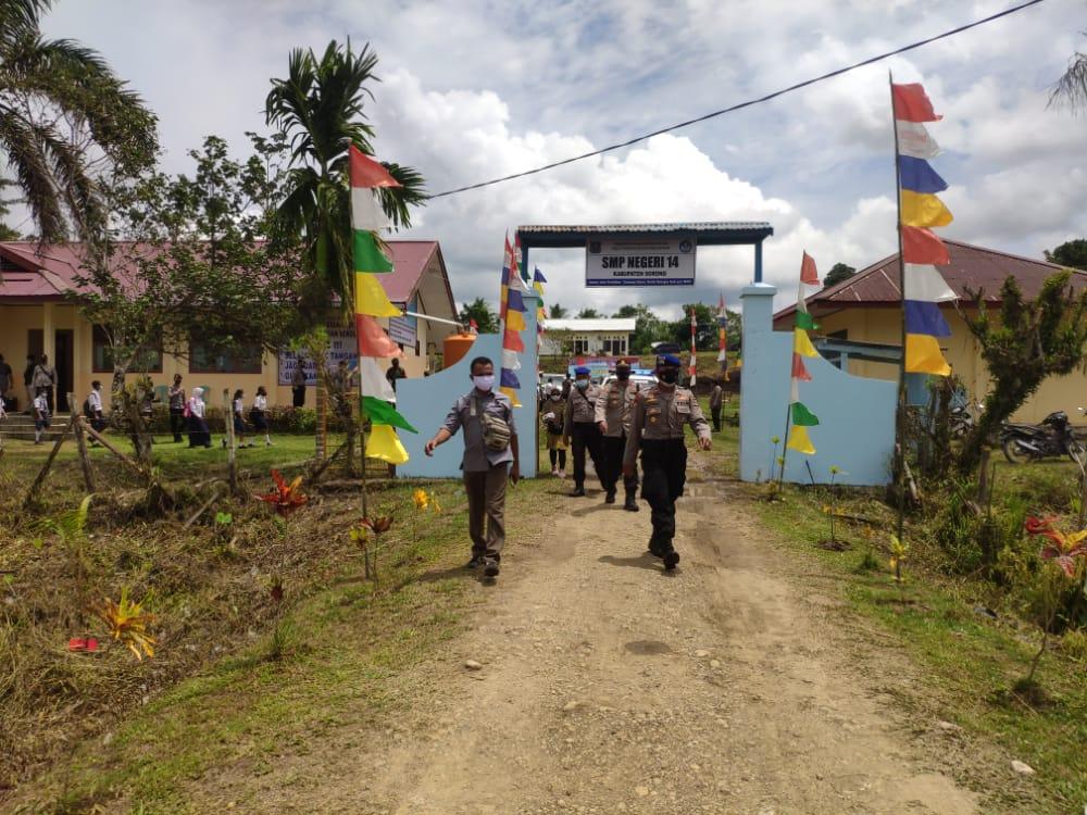 Pastikan kunjungan Menteri Pendidikan Dan Kebudayaan RI Dan Rombongan ke Kab. Sorong berjalan aman, Polres Sorong lakukan Pengawalan Dan  Pengamanan sesuai SOP