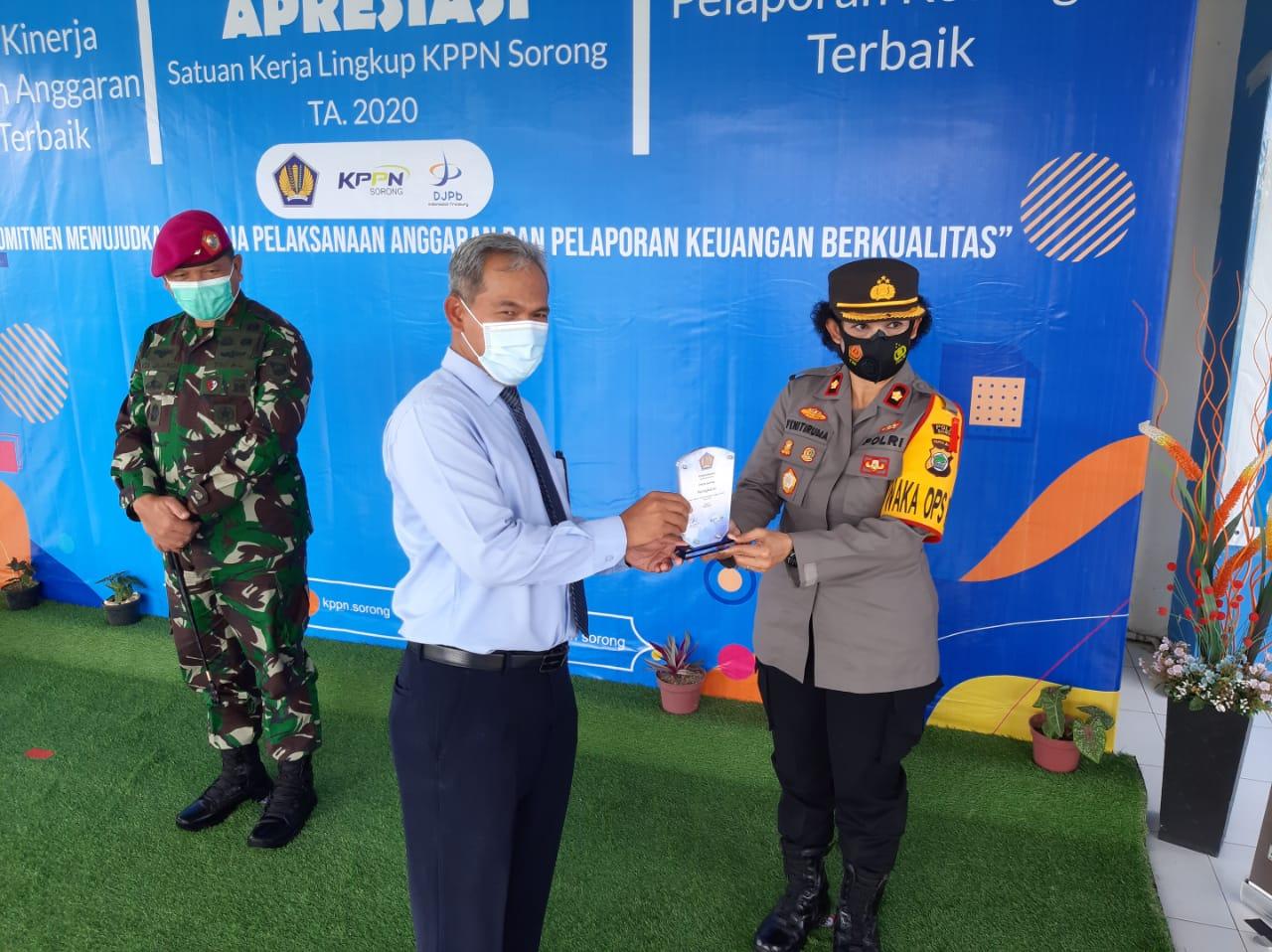 Polres Sorong Terima Penghargaan IKPA Terbaik Ke-III Dari KPPN