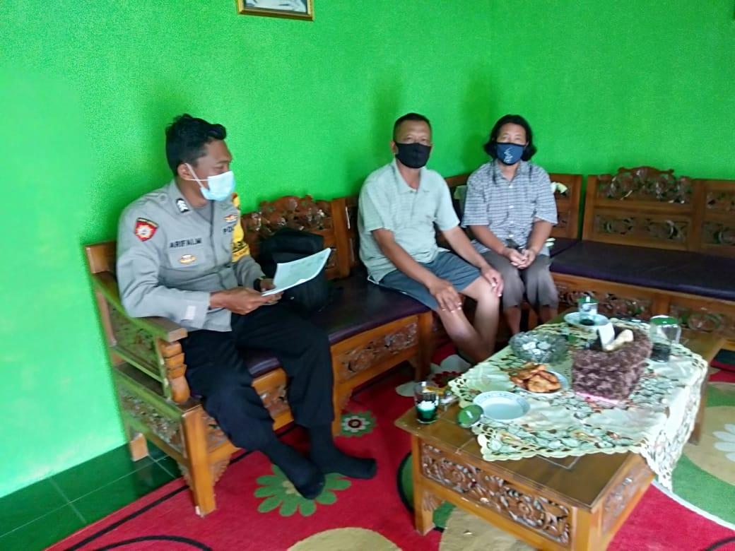 Door To Door, Bhabinkamtibmas Kampung Malaus  Sosialisasikan Penerimaan Polri