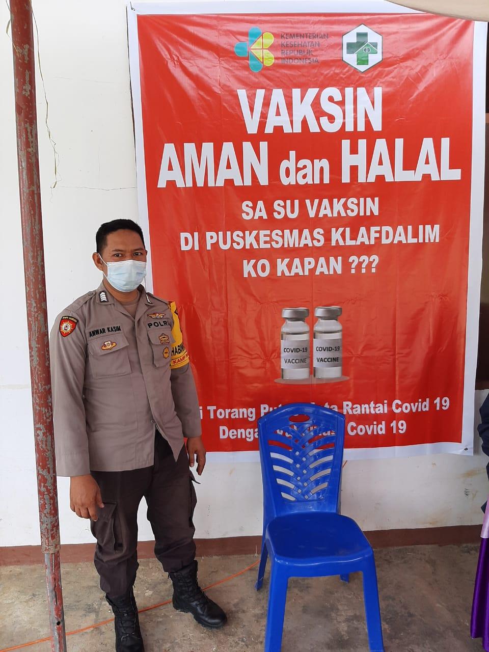 Polsek Salawati laksanakan Pengamanan Imunisasi Vaksin Covid-19 (Sinovac) Di Puskesmas Klafdalim di Kampung Klasari