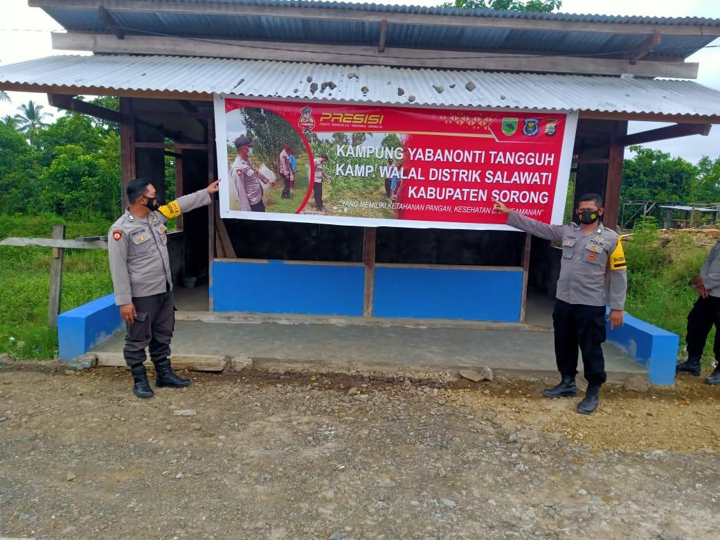 Anggota jaga  Polsek Salawati Sambangi Pos Kampung Yabanonti  Kampung Tangguh Walal