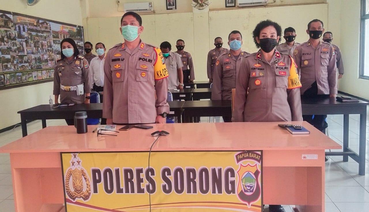 Kapolres Sorong bersama PJU Polres Sorong Mengikuti Rapim TNI-Polri Tahun 2021 Secara Virtual