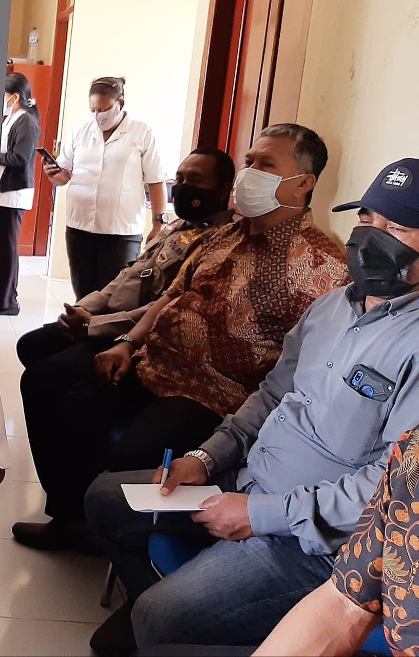 Jalin Kemitraan, Bhabinkamtibmas Kelurahan Malasom Ikuti Rapat Koordinasi di Kantor Kelurahan