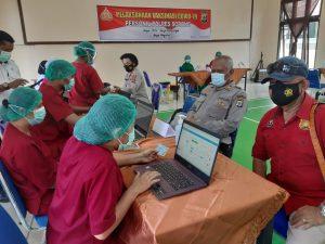 50 Personil Polres Sorong, Mengikuti Pencanangan Vaksin Covid-1