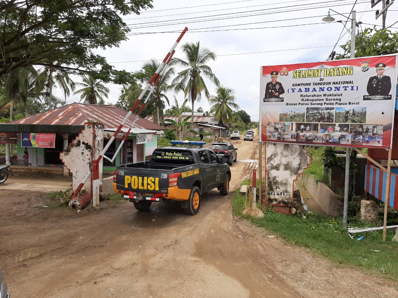Karo Ops dan Dir Binmas Polda Papua Barat Tinjau Kampung Tangguh Nasional di kelurahan Maklalut distrik Mariat