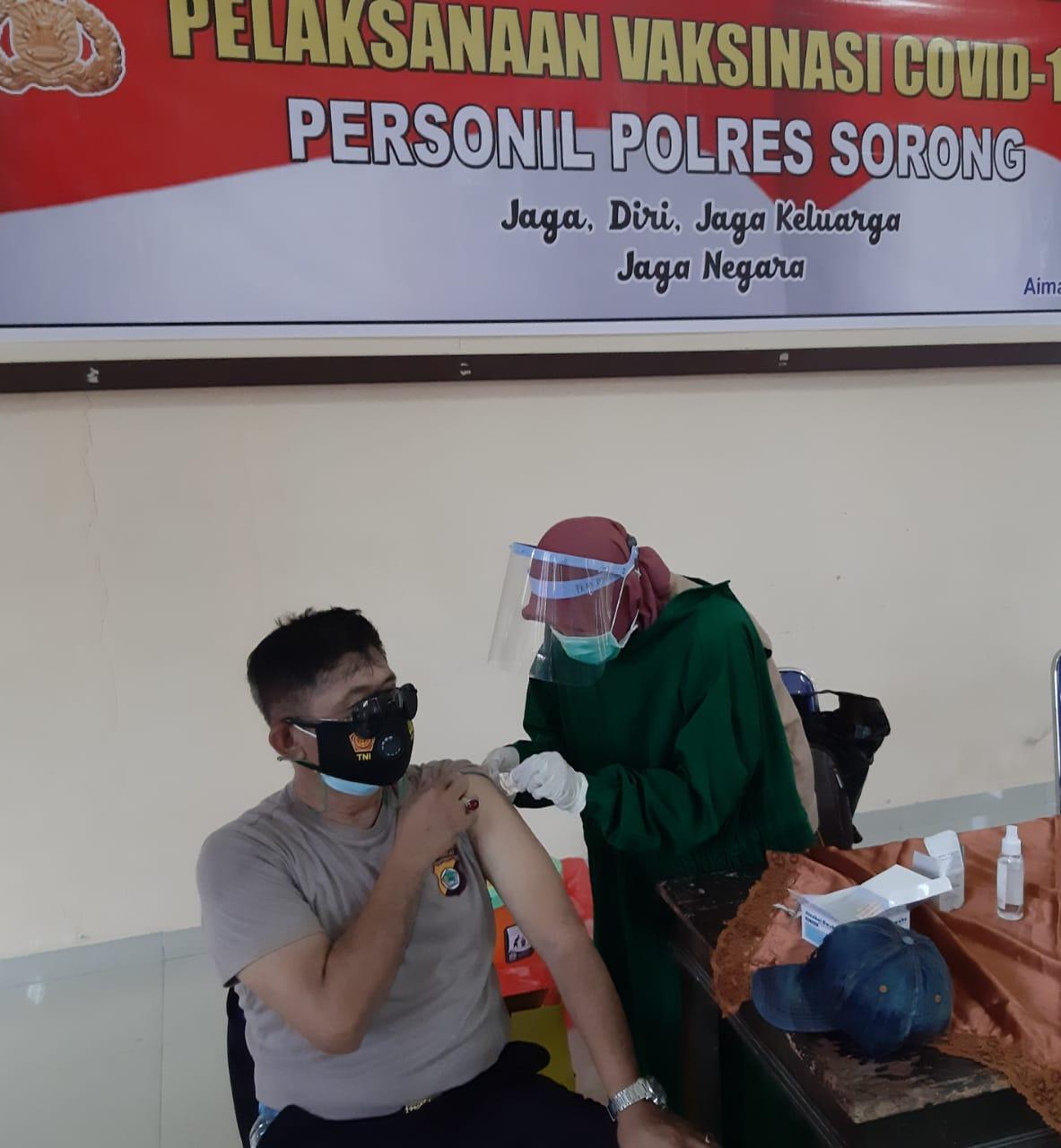 Sebanyak 50 Orang Personil Polres Sorong Laksanakan Vaksinasi Dosis 2 (Dua)