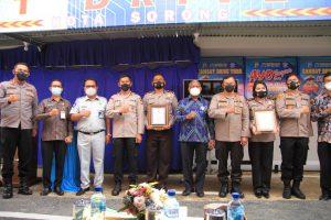 Gubernur di dampingi Kapolda Papua barat  Launching Pelayanan Samsat Drive Thru Kota Sorong & Kab.sorong