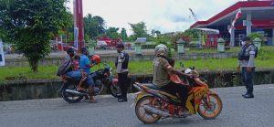 Sat Sabhara Polres Sorong, Menghimbau Kepada Masyarakat Untuk Tetap Mematuhi Protokol Kesehatan