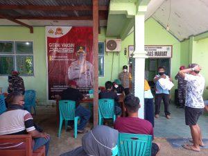 Polsek Aimas Polres Sorong Kawal Vaksinasi Merdeka di Balai Puskesmas Mariat Kabupaten Sorong
