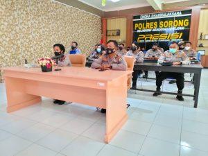 Waka Polres Sorong dan para PJU ikuti Vidcon Taklimat Akhir Audit Kinerja Tahap II Aspek Pelaksanaan dan Pengendalian Secara Virtual