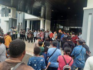 Polres Sorong Amankan Aksi Demo Damai Yang Dilakukan Masyarakat