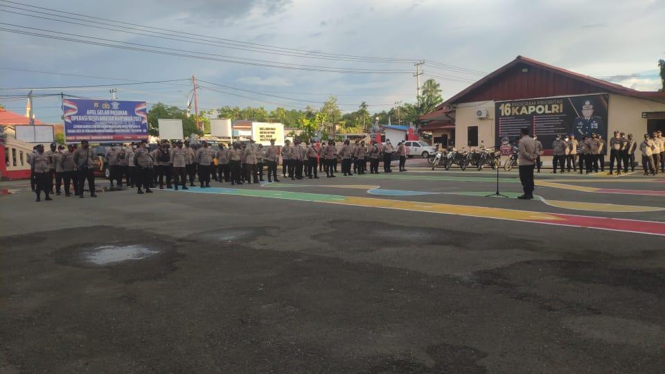 Dalam rangka Pilkakam serentak Di Kabupaten Tambrauw, Polres Sorong Lakukan apel persiapan dan pergeseran pasukan