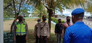 Kasat Polair Polres Sorong Pimpin Pengamanan Persemayaman Api Abadi  PON XX 2021 Di Pendopo kediaman Bupati Kab.Sorong