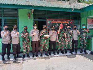 Kapolres Sorong Di Wakil Kabag Ren dan Kapolsek Beri Ucapan Selamat HUT TNI Ke-76 Di Kodim 1810 Tambrauw