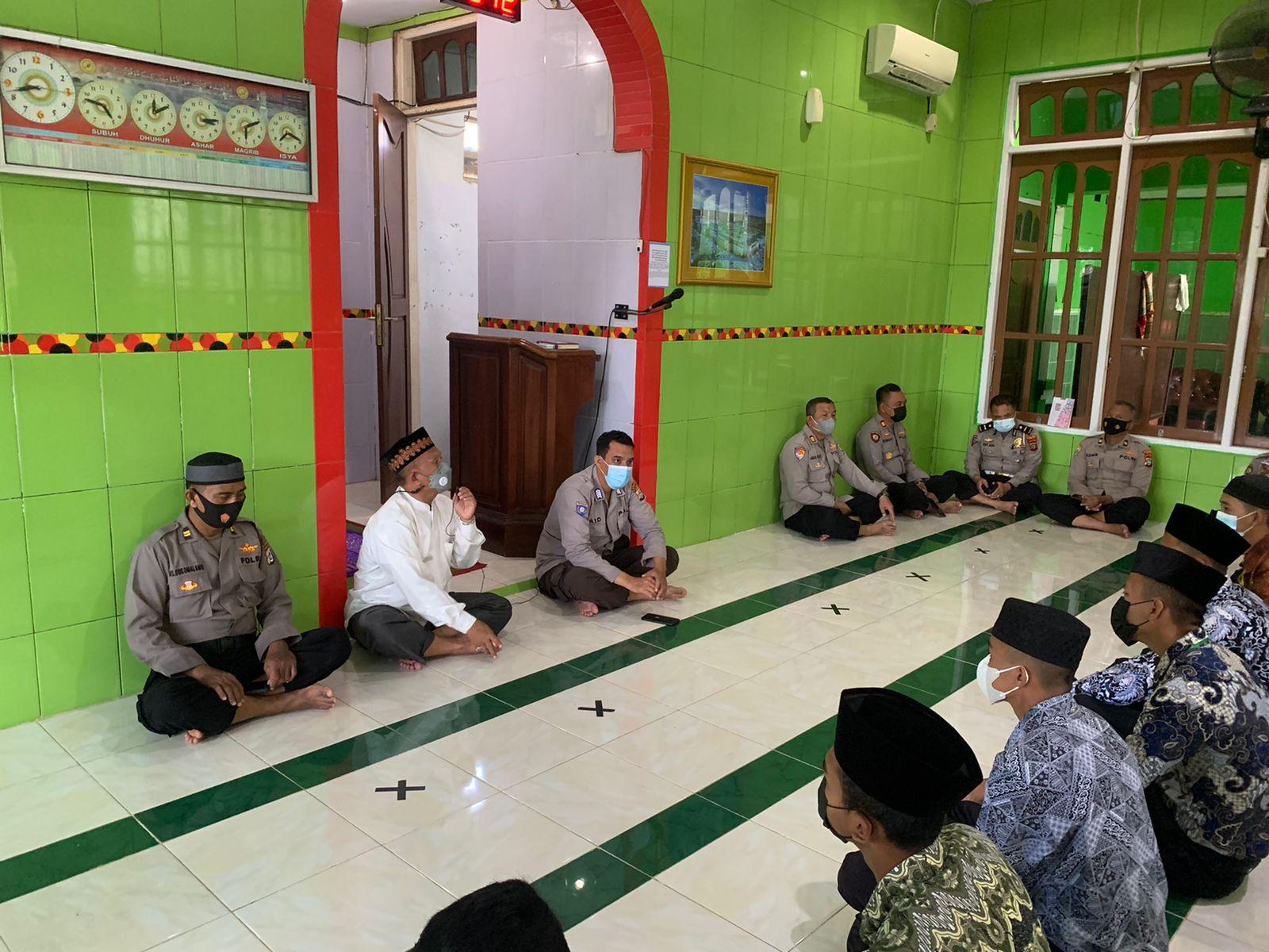Personil Polres Sorong Papua Barat Rutin Melaksanakan Binrohtal