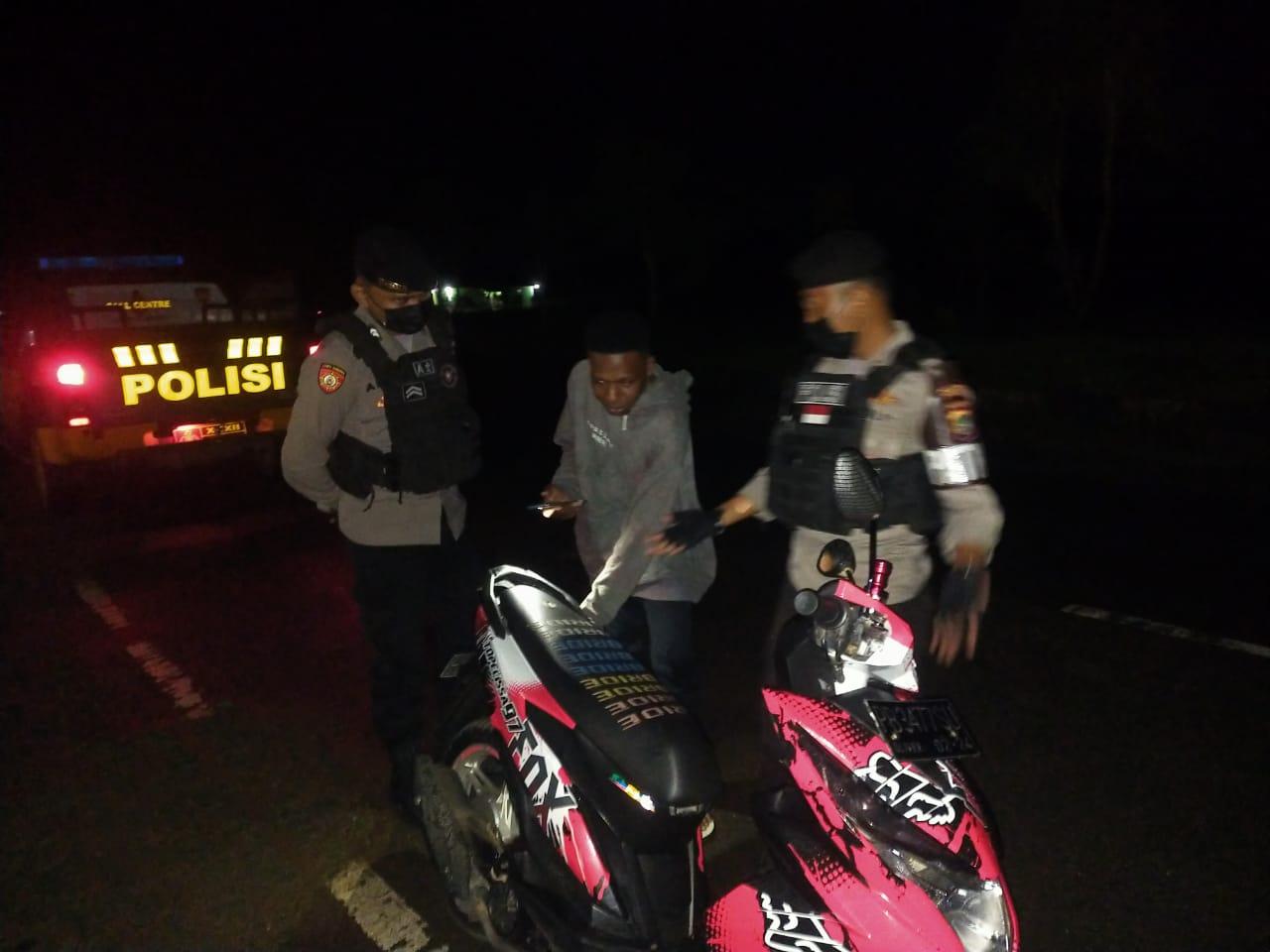 Antisipasi Aksi Begal Malam Minggu, Piket Patmor Sat Sabhara Patroli Malam Di Jalur Sepi