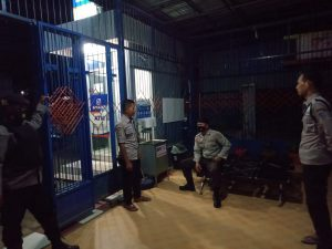 Piket Patmor Laksanakan Patroli Malam di Jalan-jalan Sepi Dan Jalan utama Di Wilkum Polres Sorong