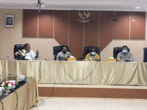 Kapolres Sorong Ikuti Rakor Bersama Forkopimda Kabupaten Sorong Evaluasi Perkembangan Dan Pencegahan Penyebaran Covid-19
